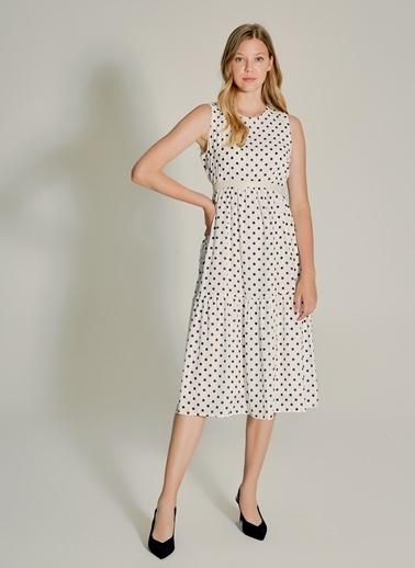 NGSTYLE Puantiye Desenli Elbise Beyaz